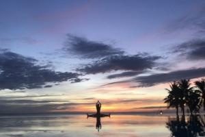 Chen Sea Yoga by the Pool-min