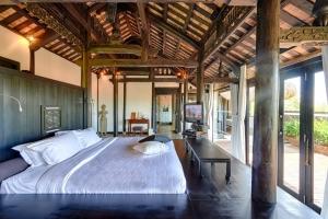 Jacuzzi Villa Bedroom 2