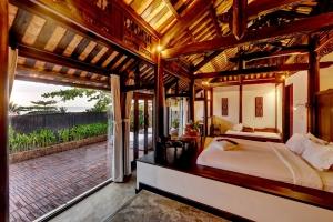 Jacuzzi Villa Bedroom 3
