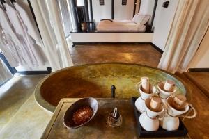Pool Villa Bathtube Master Room