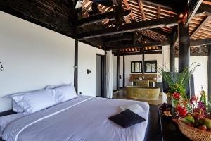 Pool Villa Master Room 2