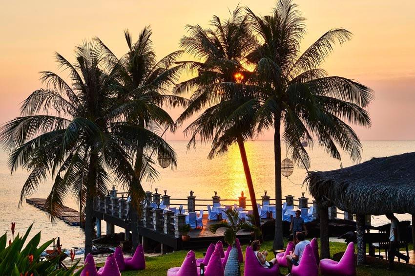 Ghe Bar Chen Sea Phu Quoc