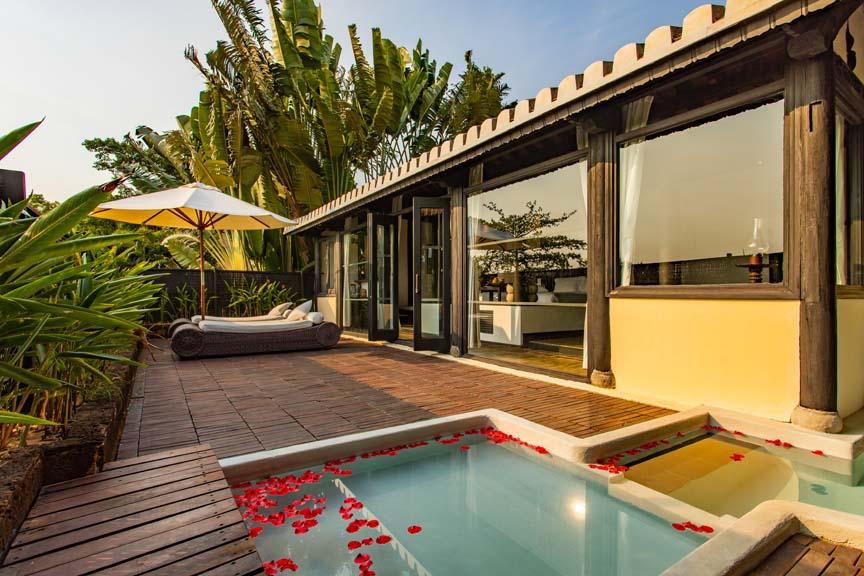 Jacuzzi Villa Outdoor Terrace